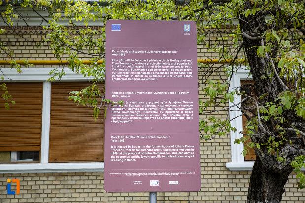 expozitia-de-arta-populara-iulia-folea-troceanu-buzias-judetul-timis-panou-informativ.jpg