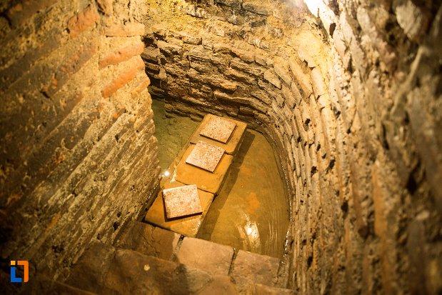 fantana-ascunsa-de-la-asezarea-romana-sucidava-din-corabia-judetul-olt.jpg