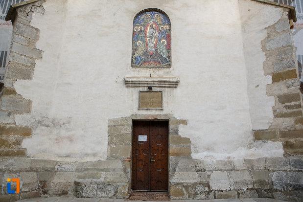 fatada-de-la-biserica-invierea-domnului-vascresenia-1551-din-suceava-judetul-suceava.jpg