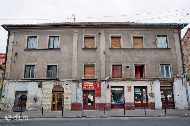 fatada-de-la-casa-turceasca-din-oradea-judetul-bihor.jpg