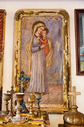 fecioara-cu-pruncul-din-muzeul-bisericii-ortodoxe-din-firiza-judetul-maramures.jpg