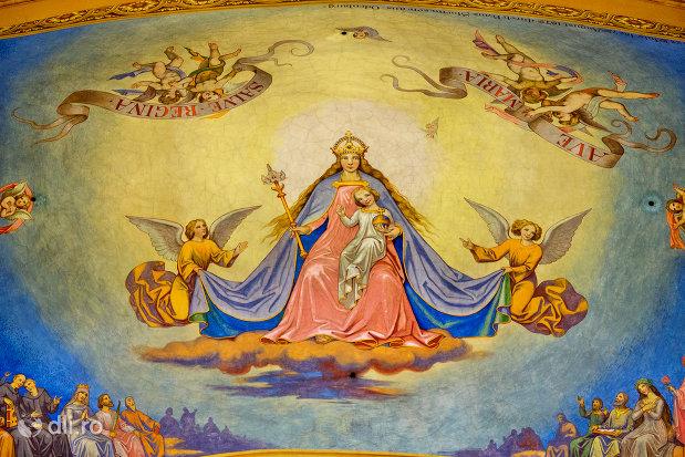 fecioara-maria-si-pruncul-bazilica-romano-catolica-din-oradea-judetul-bihor.jpg