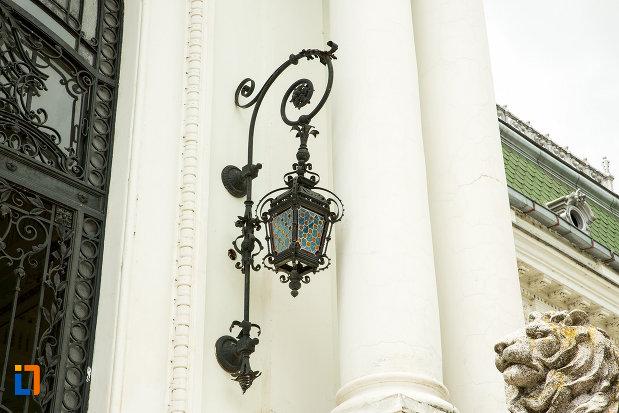felinar-muzeul-de-arta-si-arta-populara-palatul-marincu-din-calafat-judetul-dolj.jpg