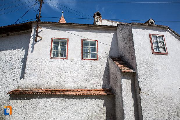 ferestre-de-la-biserica-evanghelica-fortificata-1783-din-miercurea-sibiului-judetul-sibiu.jpg