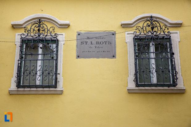 ferestre-de-la-casa-memoriala-stephan-ludwig-roth-din-medias-judetul-sibiu.jpg
