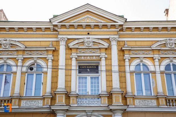 ferestre-de-la-fosta-casa-a-breslei-macelarilor-1888-din-targu-mures-judetul-mures.jpg