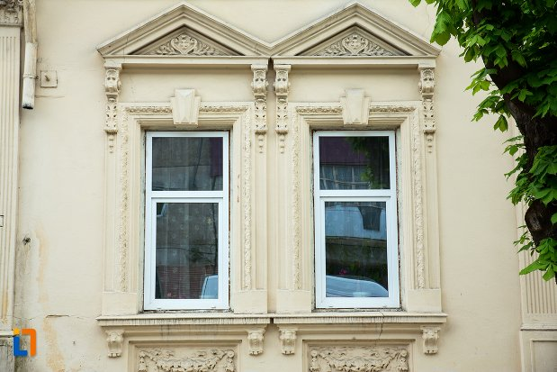 ferestre-de-la-gradinita-din-corabia-judetul-olt.jpg