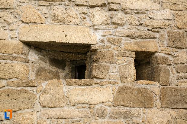 ferestre-de-tragere-bastionul-croitorilor-din-cluj-napoca-judetul-cluj.jpg