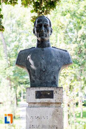 filip-iliescu-aleea-eroilor-1877-1878-23-de-busturi-si-o-placa-comemorativa-din-giurgiu.jpg