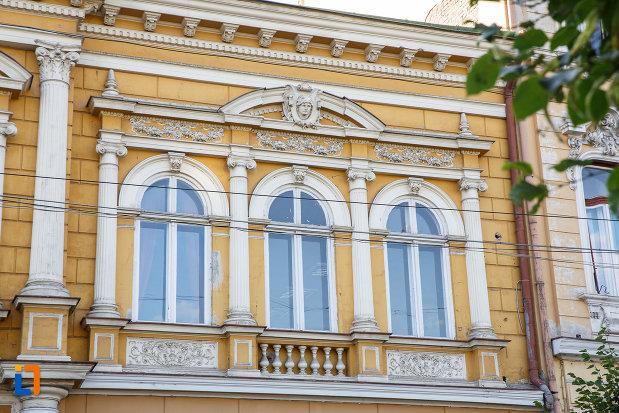 fosta-casa-a-breslei-macelarilor-1888-din-targu-mures-judetul-mures-monument-de-arhitectura.jpg