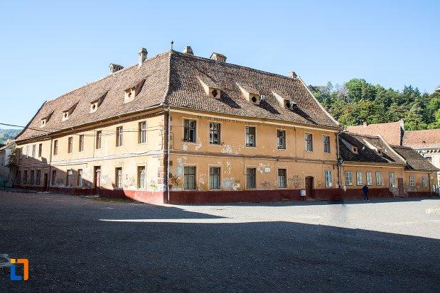 fosta-casa-a-rectoratului-azi-locuinta-din-brasov-judetul-brasov.jpg