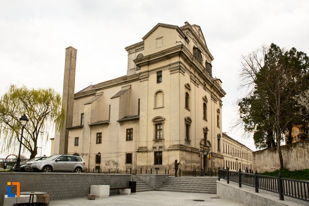 fosta-manastire-a-trinitarienilor-azi-biblioteca-batthyaneum-din-alba-iulia-judetul-alba.jpg