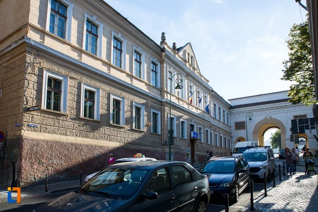 fosta-scoala-de-gimnastica-si-desen-azi-liceul-sportiv-din-brasov-judetul-brasov.jpg