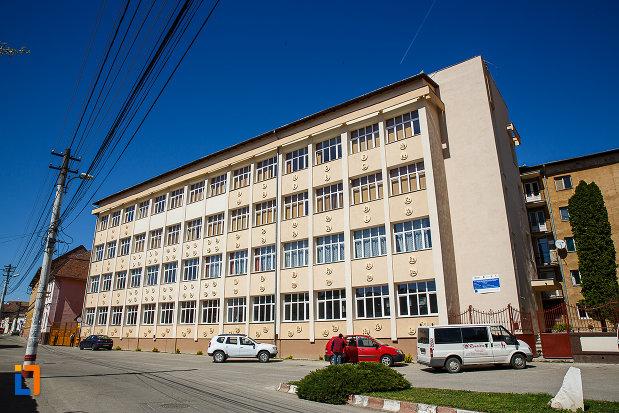 fostul-gimnaziu-romanesc-de-fete-despina-doamna-azi-liceul-tehnologic-nicolaus-olahus-din-orastie-judetul-hunedoara.jpg