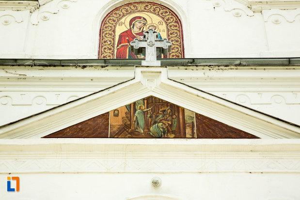 foto-cu-biserica-adormirea-maicii-domnului-din-calafat-judetul-dolj.jpg