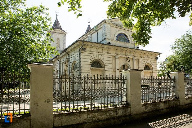 foto-cu-biserica-romano-catolica-din-galati-judetul-galati.jpg