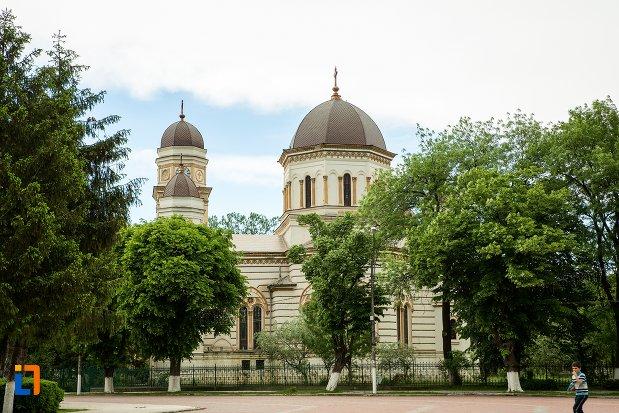 foto-cu-catedrala-sf-treime-din-corabia-judetul-olt.jpg