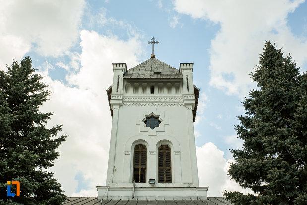 foto-cu-turnul-de-intrare-de-la-manastirea-tismana-judetul-gorj.jpg