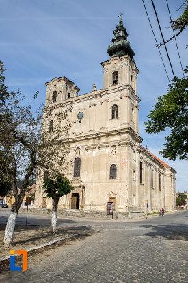 fotografie-cu-biserica-armeano-catolica-sf-elisabeta-din-dumbraveni-judetul-sibiu.jpg