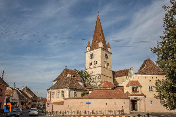 fotografie-cu-biserica-evanghelica-fortificata-din-cisnadie-judetul-sibiu.jpg