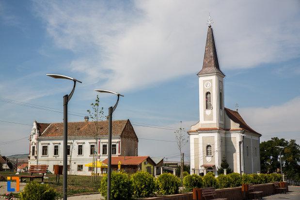 fotografie-cu-biserica-greco-catolica-buna-vestire-din-miercurea-sibiului-judetul-sibiu.jpg