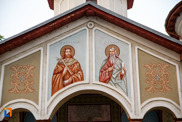fotografie-cu-biserica-sf-imparati-constantin-si-elena-din-alexandria-judetul-teleorman.jpg