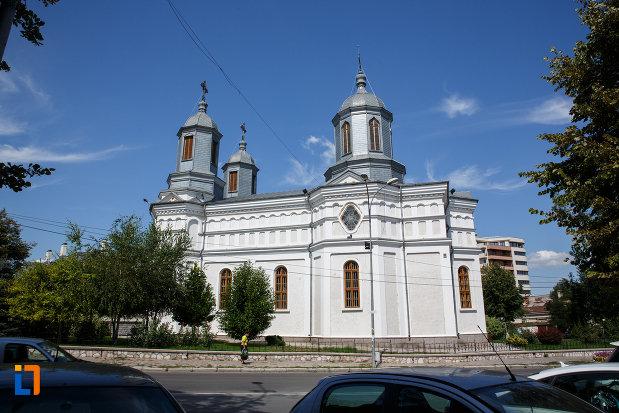 fotografie-cu-catedrala-sf-ierarh-nicolae-din-tulcea-judetul-tulcea.jpg