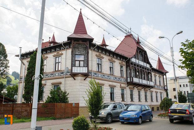 fotografie-cu-hotelul-carol-fosta-vila-1-1896-din-vatra-dornei-judetul-suceava.jpg