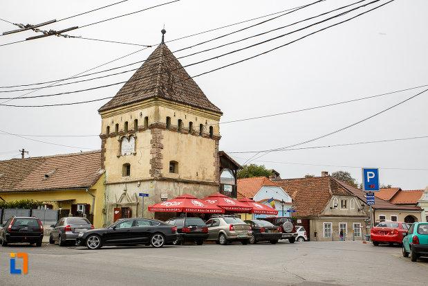 fotografie-cu-latura-de-est-bastionul-cutitarilor-turnul-rotarilor-turnul-portii-ulitei-fierarilor-curtine-a-cetatii-din-medias-judetul-sibiu.jpg
