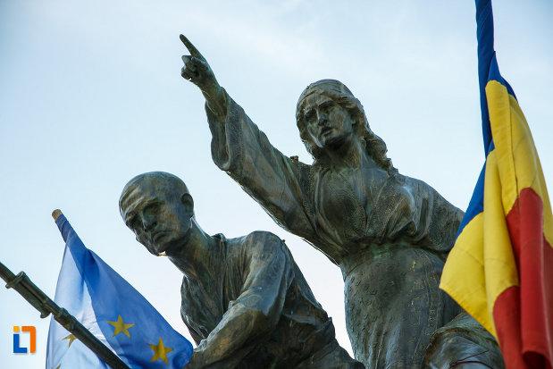 fotografie-cu-monumentul-eroilor-1916-1918-din-odobesti.jpg