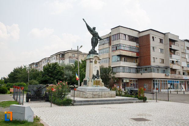 fotografie-cu-monumentul-eroilor-din-rosiori-de-vede-judetul-teleorman.jpg