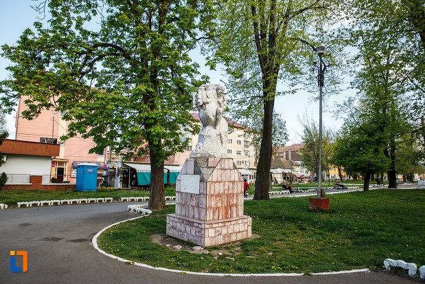 fotografie-cu-monumentul-eroilor-din-sebes-judetul-alba.jpg
