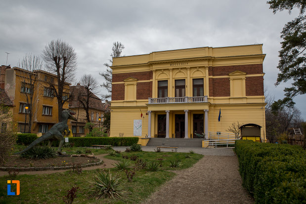 fotografie-cu-muzeul-de-istorie-naturala-din-sibiu-judetul-sibiu.jpg
