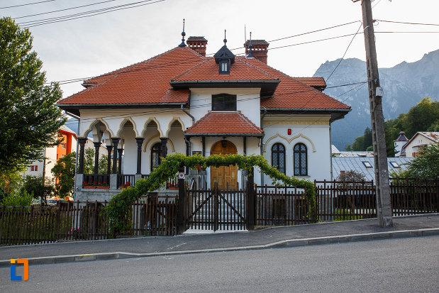 fotografie-cu-muzeul-memorial-cezar-petrescu-din-busteni-judetul-prahova-2.jpg