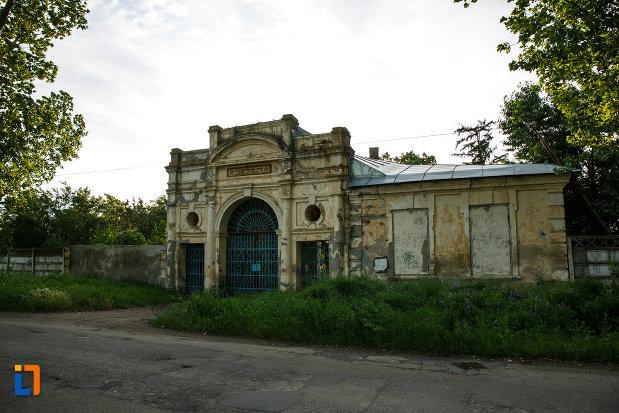 fotografie-cu-poarta-de-la-cimitirul-evreilor-din-focsani-judetul-vrancea.jpg