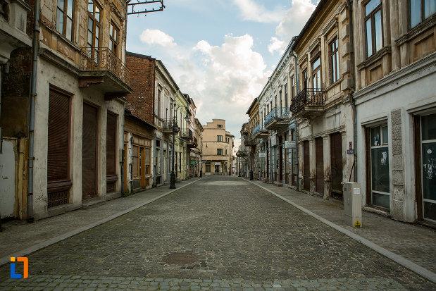 fotografie-cu-strada-istorica-din-orasul-slatina-judetul-olt.jpg