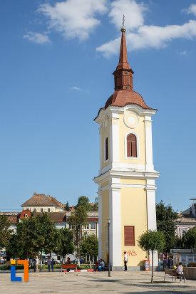 fotografie-cu-turnul-clopotnita-al-fostei-manastiri-franciscane-1820-din-targu-mures-judetul-mures.jpg