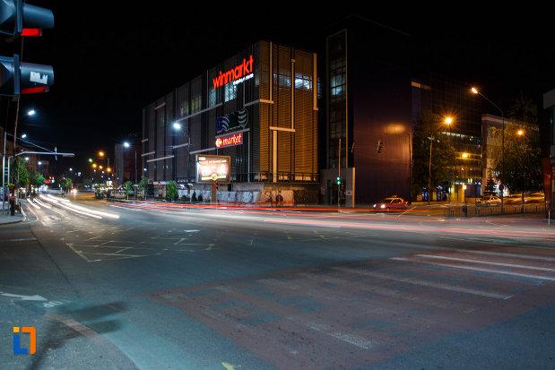 fotografie-de-noapte-cu-orasul-ramnicu-valcea-judetul-valcea.jpg