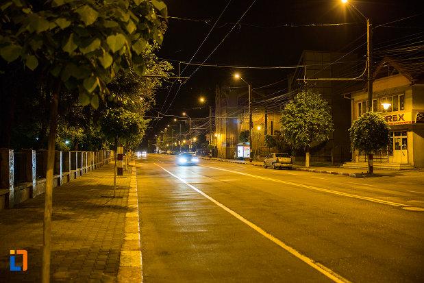 fotografie-de-noapte-cu-orasul-targu-jiu-judetul-gorj.jpg
