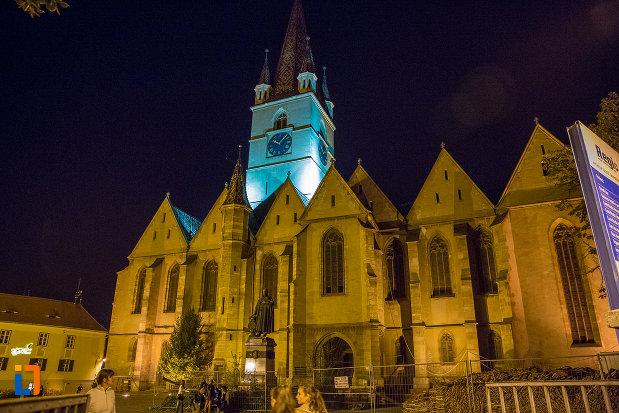 fotografie-nocturna-cu-orasul-sibiu-judetul-sibiu.jpg