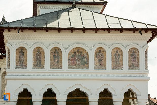 fotografie-realizata-la-biserica-sf-voievozi-din-targu-jiu-judetul-gorj.jpg