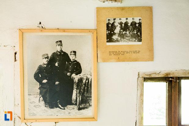 fotografii-ale-marelui-artist-expuse-in-casa-memoriala-constantin-brancusi-din-hobita-judetul-gorj.jpg