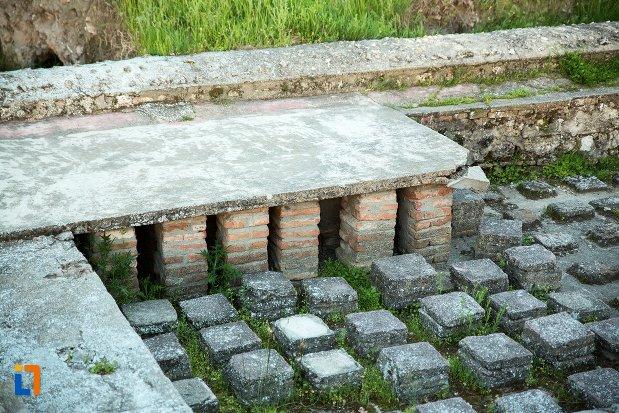 fundatie-de-cladire-din-asezarea-romana-sucidava-din-corabia-judetul-olt-2.jpg