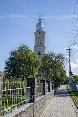 gard-biserica-romano-catolica-livada-judetul-satu-mare.jpg