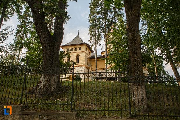 gard-de-la-biserica-sf-gheorghe-mirauti-1391-din-suceava-judetul-suceava.jpg