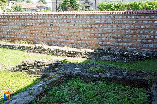 gard-zidit-de-la-manastirea-stelea-din-targoviste-judetul-dambovita.jpg