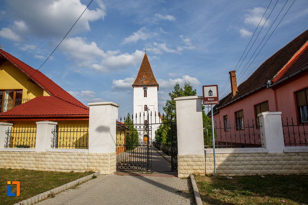 gardul-de-la-biserica-inaltarea-domnului-1785-din-saliste-judetul-sibiu.jpg