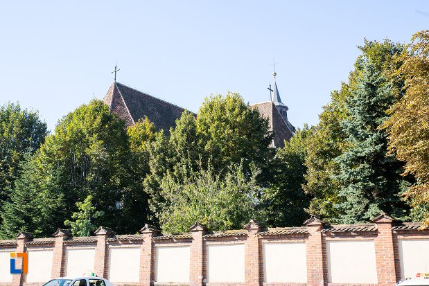 gardul-de-la-biserica-sfantul-bartolomeu-din-brasov-judetul-brasov.jpg
