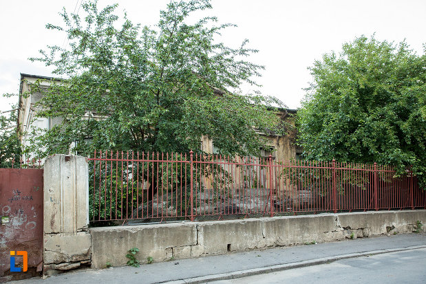gardul-de-la-casa-memoriala-nicolae-mantu-din-galati-judetul-galati.jpg