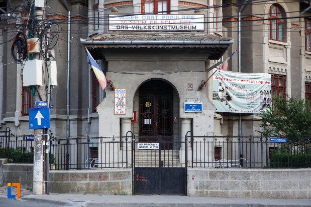 gardul-de-la-muzeul-de-arta-populara-din-tulcea-judetul-tulcea.jpg